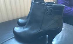 Ladies ankle boots, size 7, black leather, unworn only